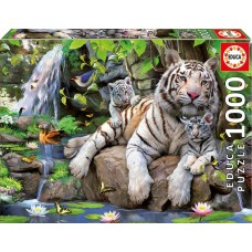 Educa 1000 - A white Bengal tiger with his little ones